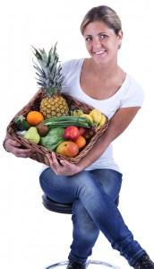 Louise med frugtkurv