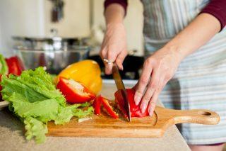 Grøntsager på spækbræt