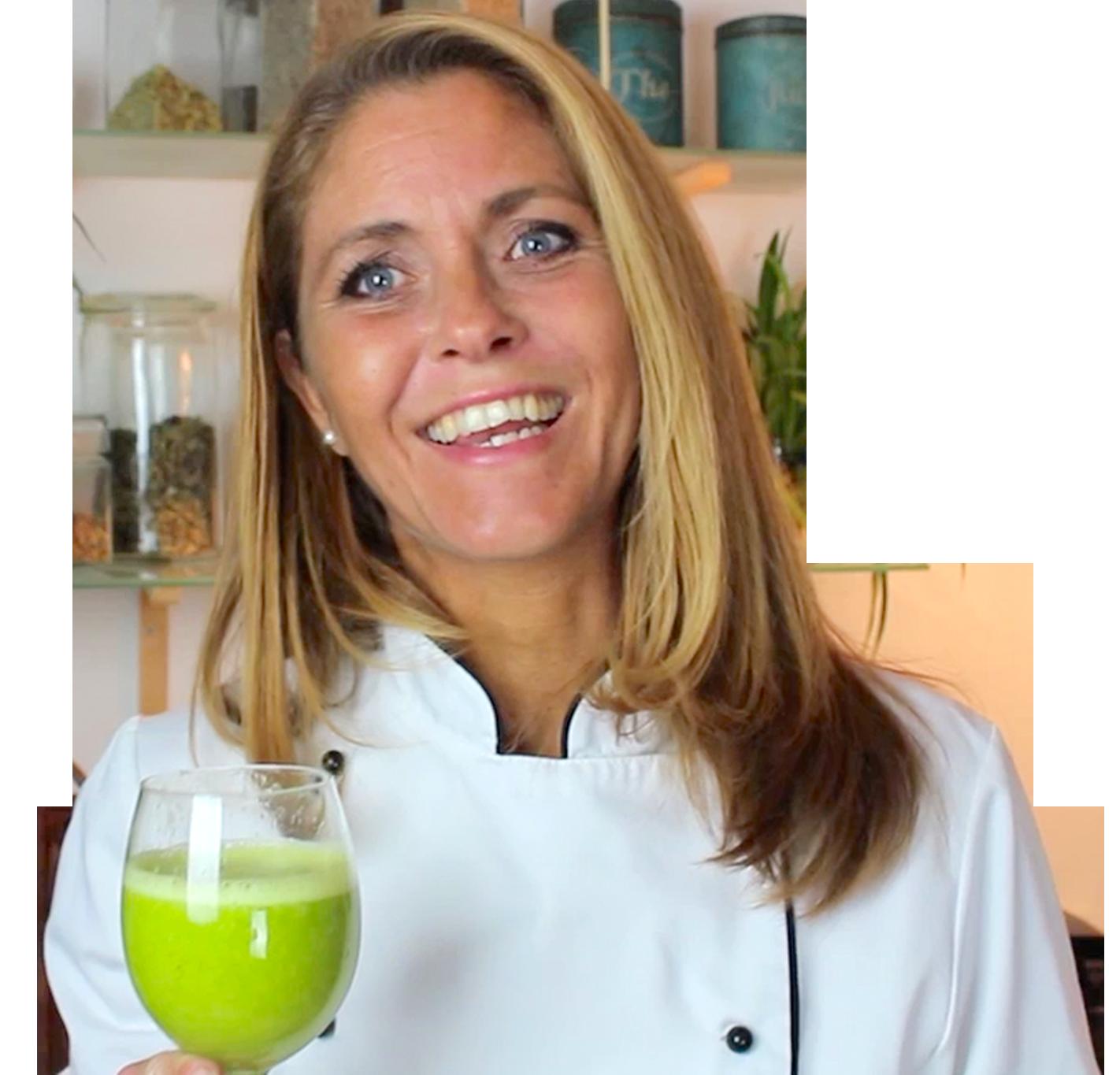 Louise Koch med grøn smoothie